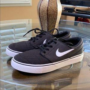 Stefan Janoski Nike Skateboarding Shoes